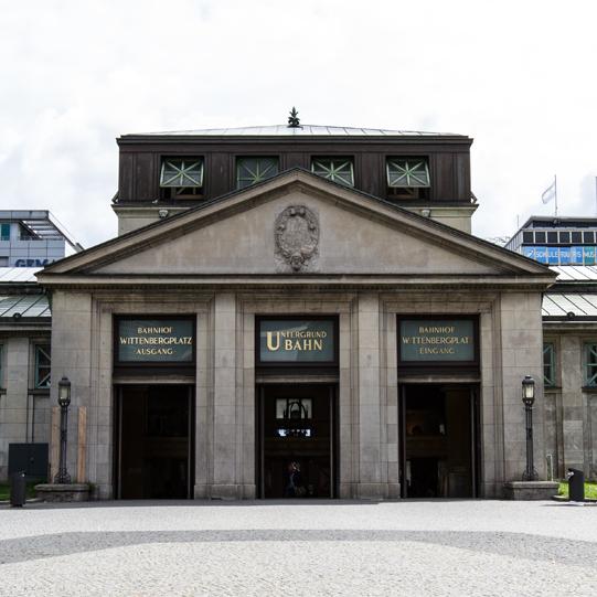 Berliner Nahverkehrsnetz: historischer Bahnhof Wittenbergplatz