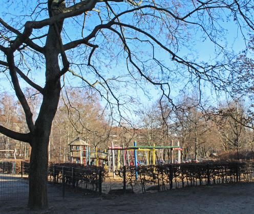 Wohnen auf Zeit Berlin-Wilmersdorf Spielplatz